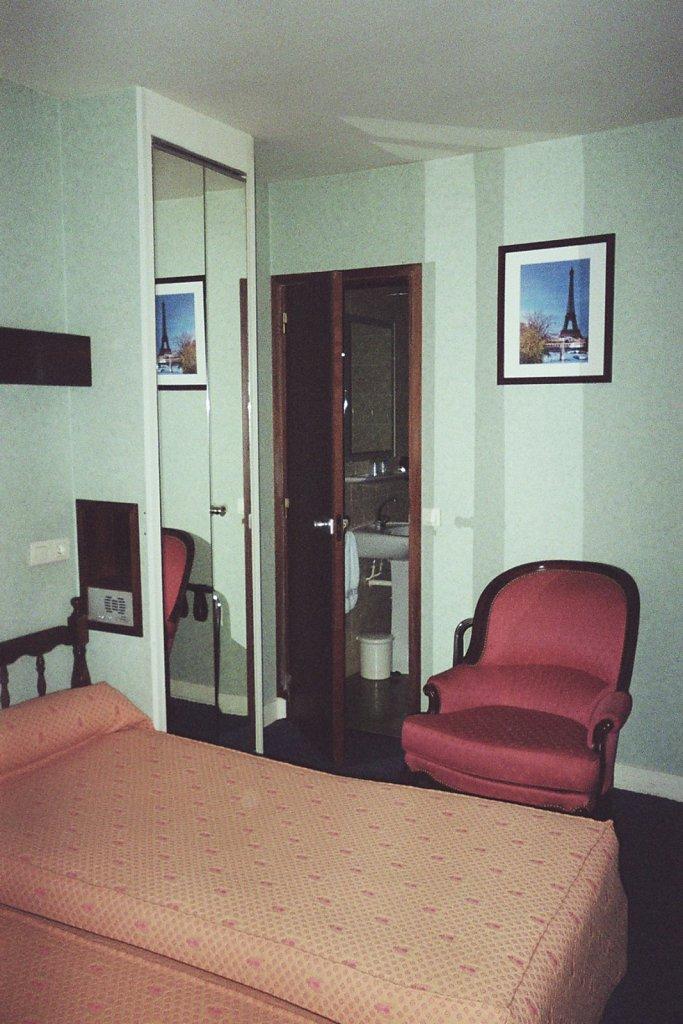 Dans la chambre